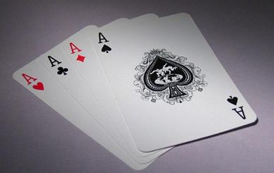 网上打牌赚钱的平台有哪些?棋牌游戏赚钱骗局揭秘